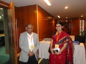 Dr. P. Vijay Bhatkar, éminent savant indien et pionnier en sciences de l'informatique apprécie l'article de Meera.